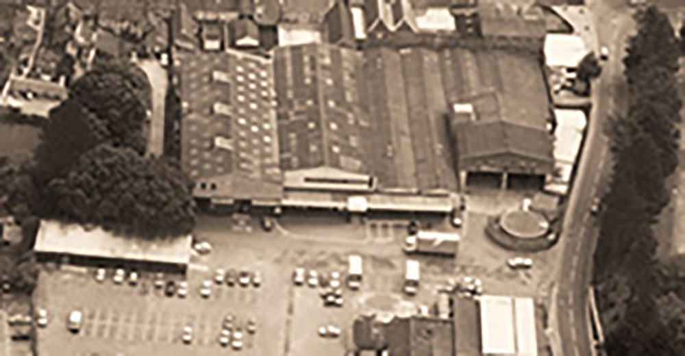Haskins store front and car park early 1970s
